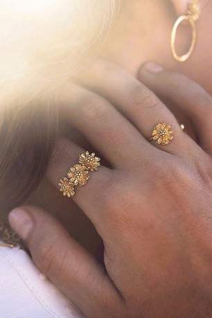 MARGUERITE triple ring
