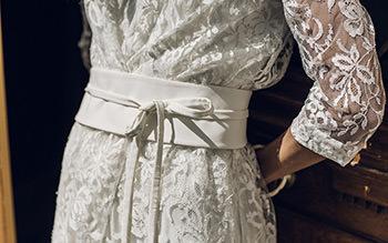 Trench Rousseau porté sur la robe Vian & ceinture Coco