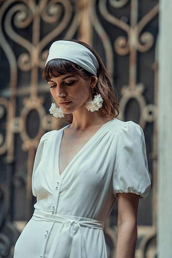 Robe Mozart, bandeau Elbaz & boucles d'oreilles Maria