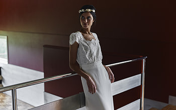 Welles dress & Dorothée Flores crown